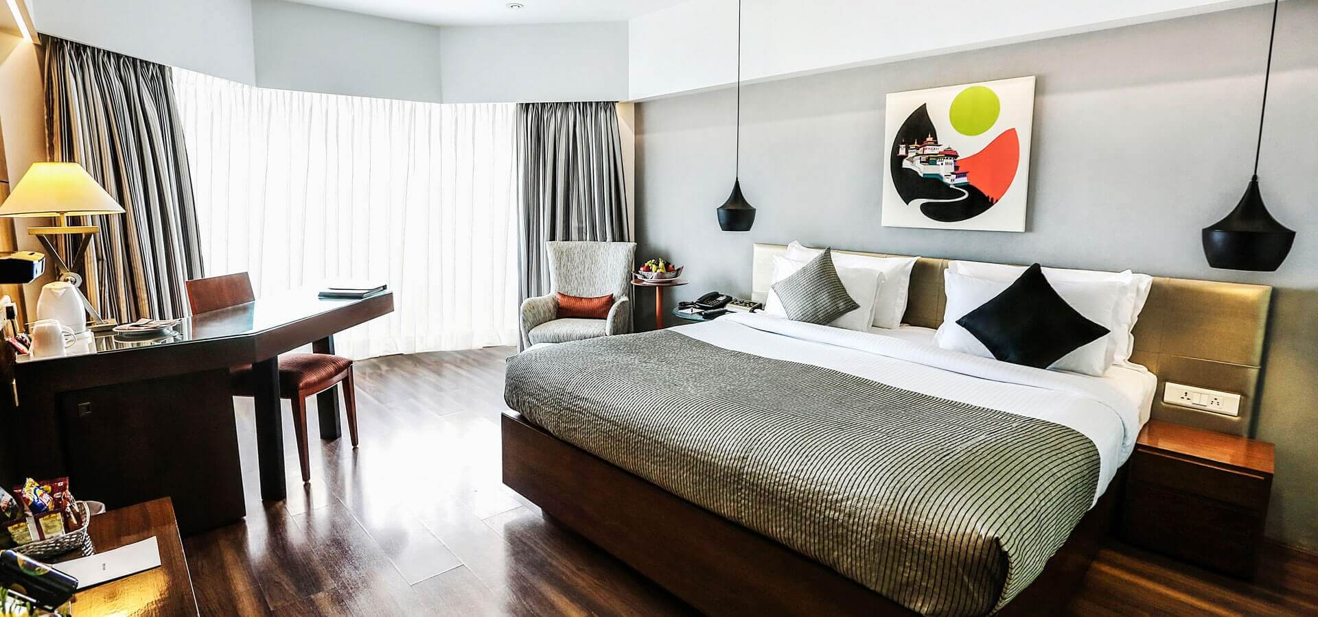 luxury hotels in Juhu, hotels with luxury rooms in Juhu, Hotel rooms in Juhu