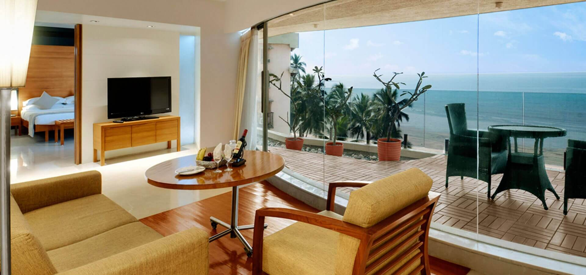 luxury hotels in Juhu, hotels with suite rooms in Juhu